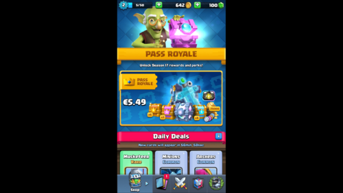 Pass royale screenshot of Clash Royale video game interface.